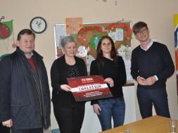 Dnevnemu centru za mlade in mladostnike donirali več kot 1.600 evrov