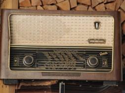 radio-2224443_640