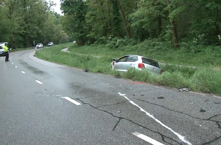 V trčenju dveh vozil ena oseba poškodovana