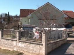 Napad na avtomobil ministričinega soseda