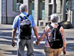 Oskrba starejših v domovih za starejše po zagotovilih pristojnih ustrezna