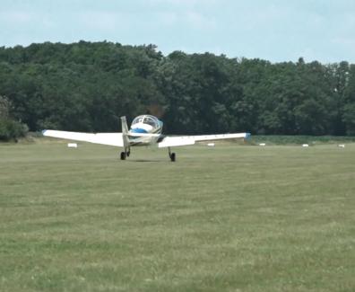 Restavratorsko letalo poletelo po petdesetih letih