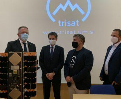 Slovenska satelita NemoHD in TRISAT v vesolju