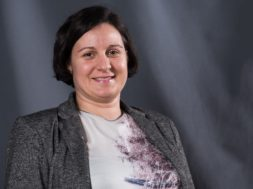 pom. akad. dr. Katja Eman